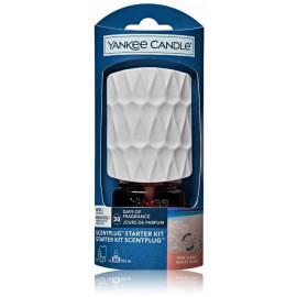 Yankee Candle ScentPlug Starter Kit Pink Sands namų kvapo rinkinys (elektrinis pagrindas 1 vnt. + oro gaiviklis 18.5 ml.)